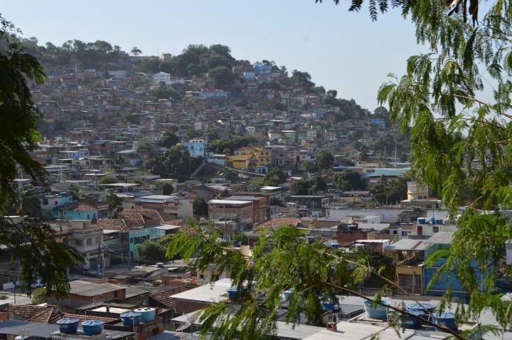 CEM. Foto Raphael Peixoto. Vista para a Vila Cruzeiro 7